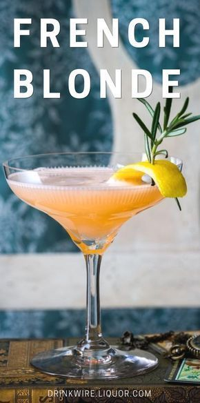 The French Blonde is a beautiful cocktail featuring French liqueur Lillet Blanc, elderflower liqueur and dry gin accented by sunny, freshly-squeezed grapefruit juice. {wine glass writer} #cocktailrecipes