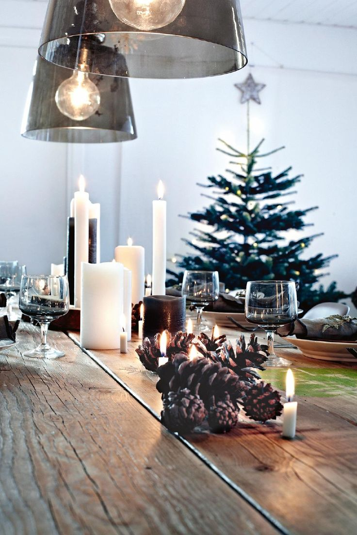 Homeowner Lene SamsØ opened her doors to give us a tantalising look into her dreamy Christmas-styled home.