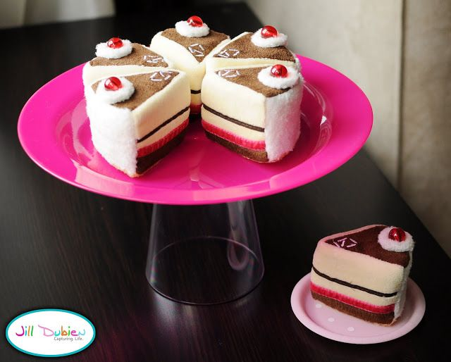play food dessert tray and cake stand | Meet the Dubiens
