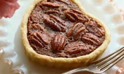 mini heart shaped pecan pies for wedding favors! @KD Eustaquio you will do this i am sure!