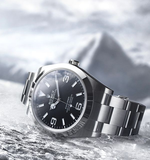The Rolex Explorer celebrates the first ascension of Mount Everest in 1953. Made for life on the summit.