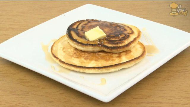 En ElGranChef ya te hemos mostrado varias recetas de panqueques americanos, pero hoy te mostraremos paso a paso en un video cómo preparar esta exquisitez norteamericana.Los panqueques americanos son ideales para el desayuno o la merienda, y te dejarán satisfecho. Además, ¡son riquísimos!Ingredientes:1 taza de hari