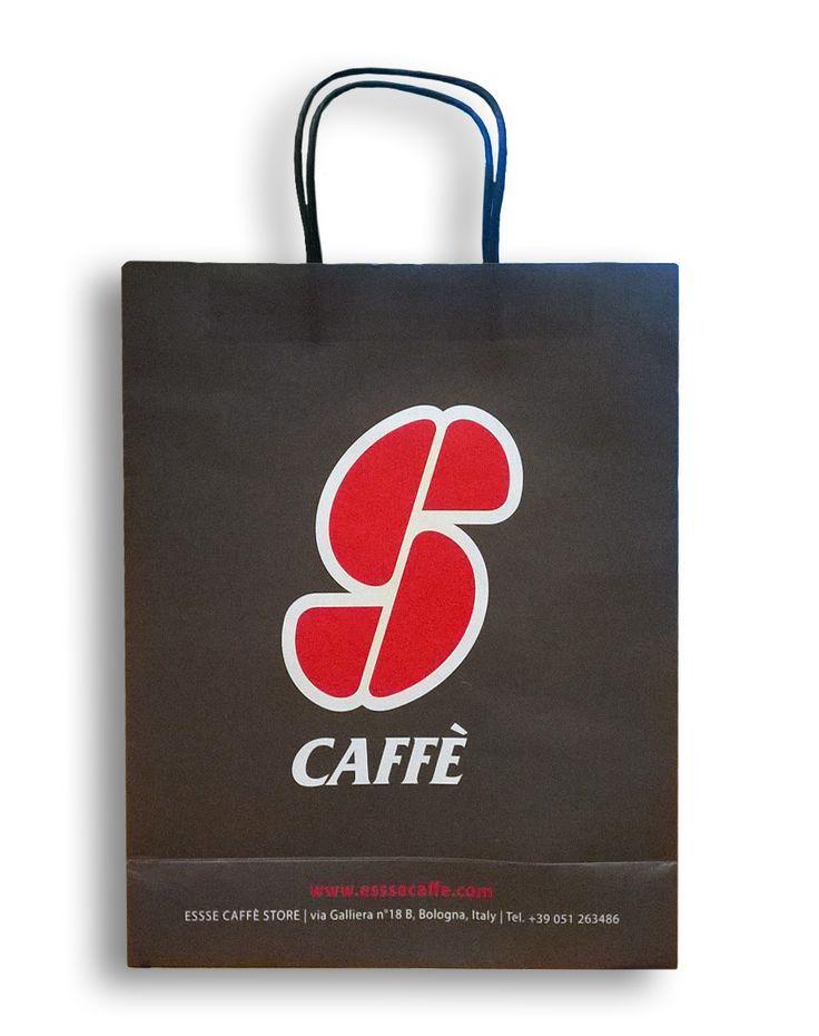 Paper Bag for Essse Caffè  Material: Paper  Size: 28x10x34cm  Handle black surface: matt film  Made in China www.ideagroupigm.com