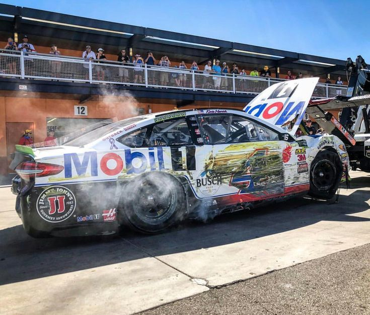 Flat Tire Ended Harvick S Day Early At Las Vegas First Race Of The Playoffs 2018 Racing Stock Car Monster Trucks