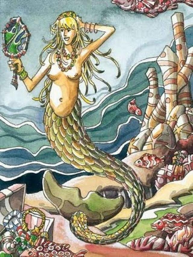 La Maruxaina es una sirena rubia, mitad pez, mitad mujer…vive en la cueva de San Vello, allá en los Farallones… entre percebes y mejillones, en donde pasa el tiempo hilando con fibras de lino. En l…