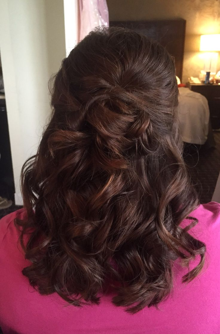 Half up half down bridal hairstyle. Soft curls, mother of the bride, bridesmaid hair Instagram.com/beautybyjbrand
