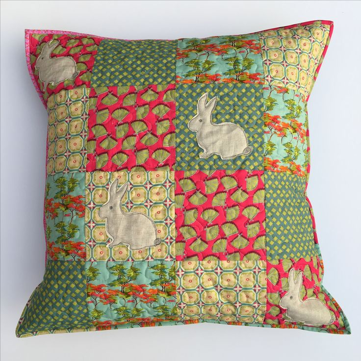 Rabbit appliqué cushion / pillow. Loveable bunny sizzix die. Patchwork and quilting.