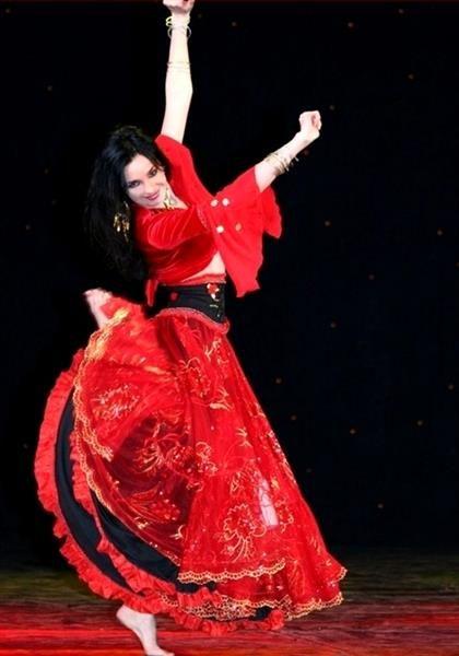 Фотография национального испанского костюм