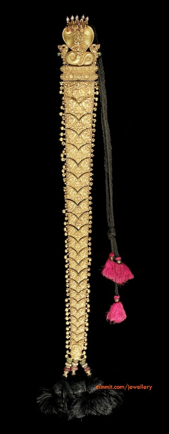 Gold Jada/braid, part of the Bonhams Indian Temple Jewellery sale.