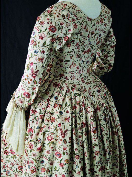 Printed cotton chintz gown, 1780.