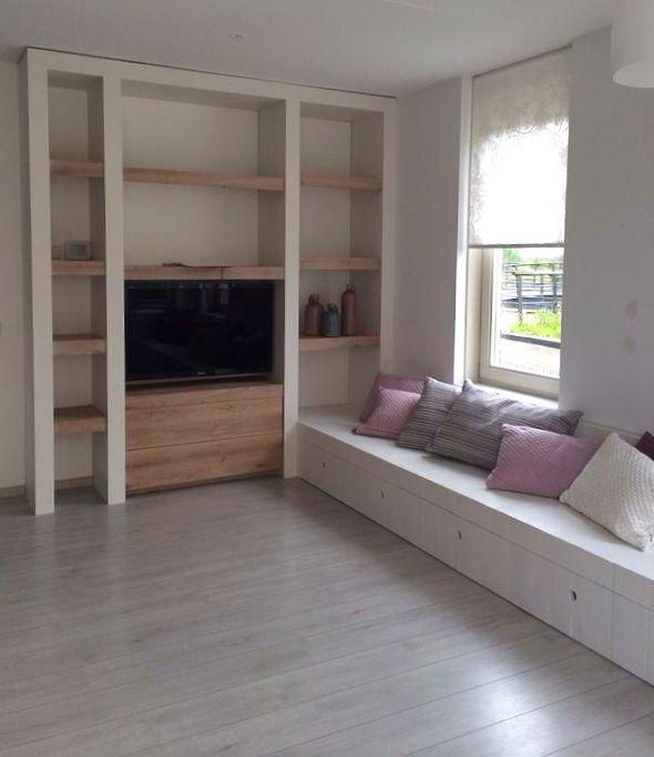 Wandkast inclusief houten bank gemaakt door Sijmen Interieur!