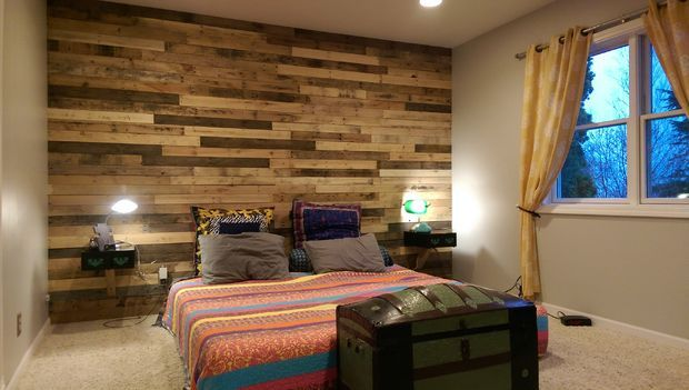 best 25 pallet accent wall ideas on pinterest pallet walls wood wall in bathroom and accent. Black Bedroom Furniture Sets. Home Design Ideas