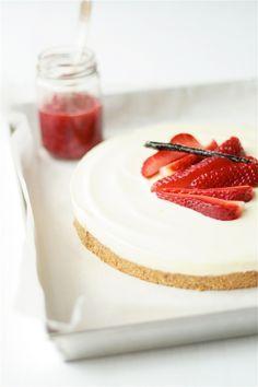 Strawberries and Lemon Cheesecake