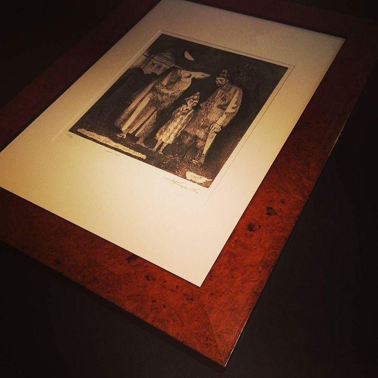 #ilcorniciaioditreviglio #treviglio #bergamo #milano #crema #lodi #cornice #frame #framing #interior #interiordesign #interiorideas #design #arredamento #style #homedecor #homedesign #art #gallery #naturalwood #studioart #living #lifestyle #madeinitaly #laboratorio #artigianato #working #@ale_fre by ilcorniciaioditreviglio http://discoverdmci.com