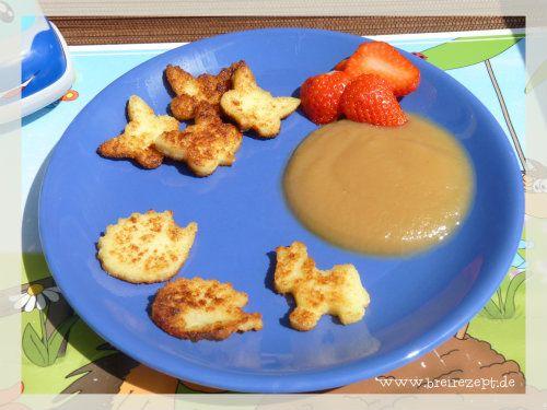 Grieß-Schnitten lassen sich wie kleine Kekse nach Belieben ausstechen. Wenn ihr den Grieß ohne Zucker zubereitet, können bereits Babys ab 6 Monaten von