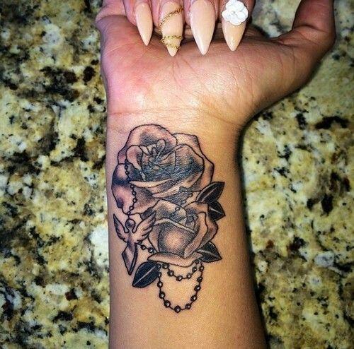 75 best rose tattoos design images on pinterest rose tattoos tattoo designs and design tattoos. Black Bedroom Furniture Sets. Home Design Ideas