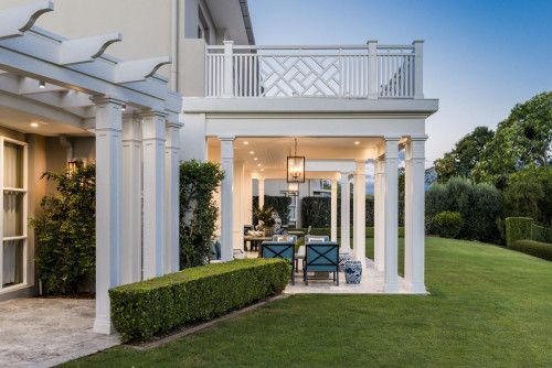 Friday's Favourites: Gallerie B. Beautiful Hamptons style home by Verandah House design.