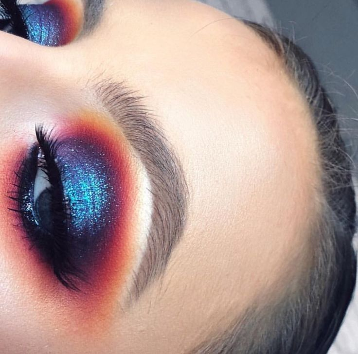 Orange Yellow Purple Eyeshadows   Matte and Shimmer Blue Pigments Shadows   Makeup for Blue Eyes   Instagram Fluffy Natural Looking Eyebrows   Blown Out Blended Eye Makeup   Spotlight Halo look   Bold Colorful Eyes #makeup #eyemakeup #bold #eyebrows #instagram #pigment #matte #shimmer Pin: @amerishabeauty
