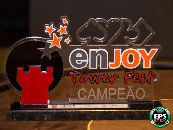 Este es el codiciado trofeo de campeón del torneo de poker Enjoy Tower Fest.