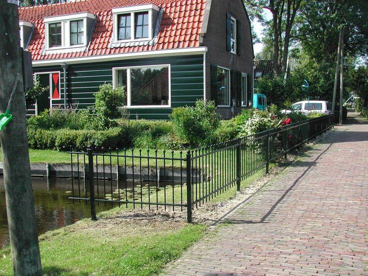 model-twiske-1. Maatwerk sierhekwerk van metaal voor tuin, voortuin en balkon.