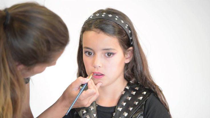 Tutorial de maquillaje Halloween niño Chica Vampiro™