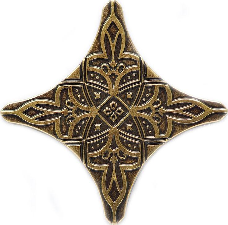Декоративные вставки для пола и стен: элементы декора из латуни и бронзы - купить напольные латунные вставки для плитки - KAVARTI (Испания)