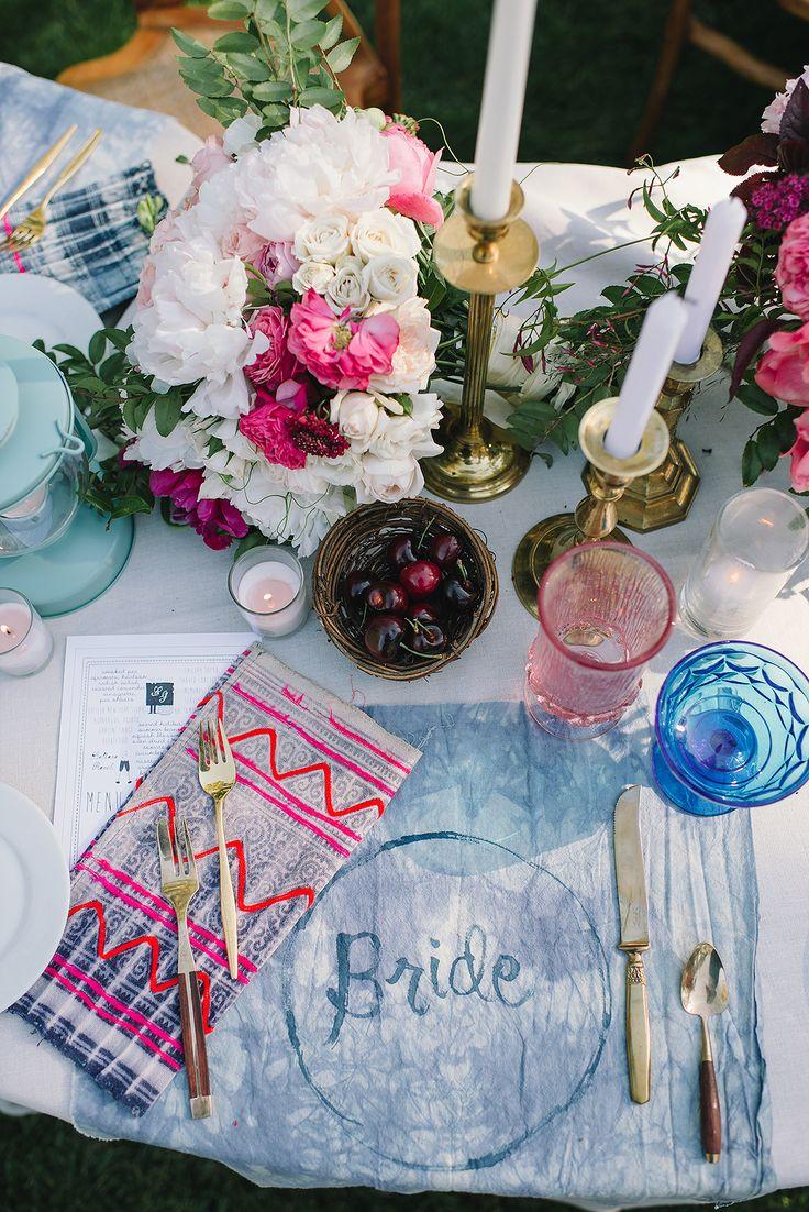 Tablescape, Beltane Ranch, Brown Paper Design, Sitting In A Tree - California Wedding http://caratsandcake.com/erinandgreg
