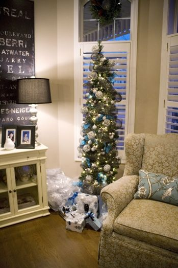 Blue and silver themed #Christmas tree, taken on Markham's Homes for the Holidays house tour.  Photo by Laura Mills.