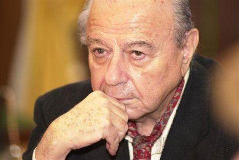 Μιχάλης Κακογιάννης: Ο Έλληνας που έκανε διάσημη την Ελλάδα του 60 με τον Ζορμπά του, την Στέλλα και το Κορίτσι με τα μαύρα