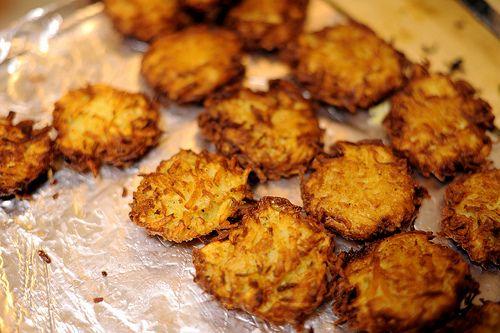 Potato LatkesSide Dishes, Jewish Holiday, Potatoes Recipe, Potatoes Latkes, Favorite Recipe, Eating Cupcakes, Cupcakes Eating