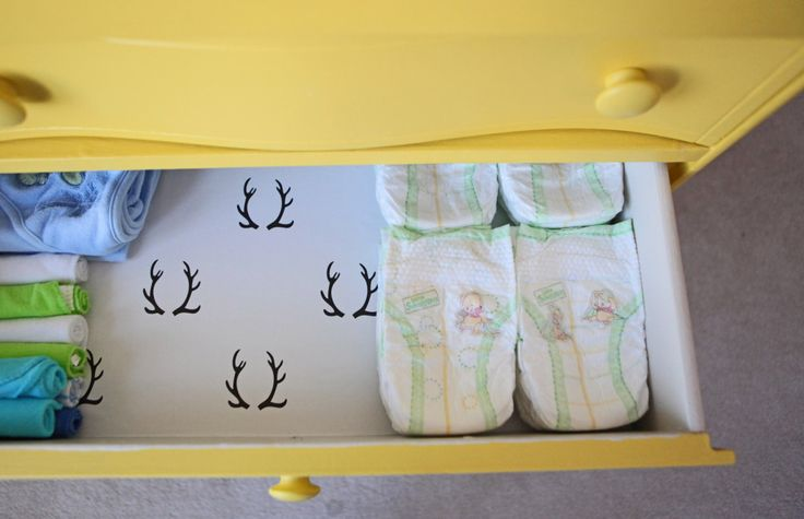 Lined drawers in dresser/changing table - love this fun surprise when you open the drawer! #nurseryNurseries Storage, Dressers Drawers, Dressers Change Tables, Deer Drawers, Dresser Drawers, Drawers Liner, Pail Yellowish, Nurseries Ideas, Fun Surprise