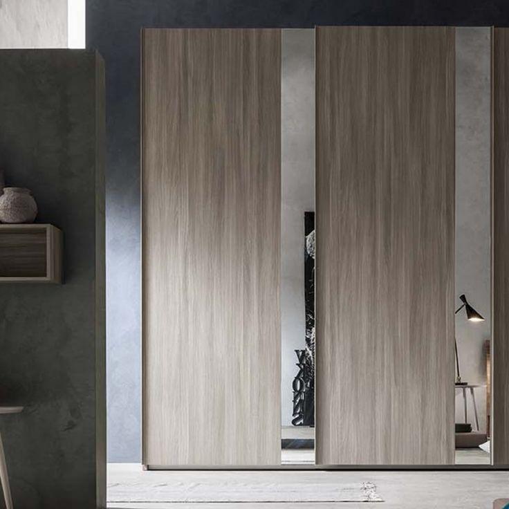 Oltre 25 fantastiche idee su armadi per camera da letto su - Bagiu per camera da letto ...