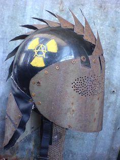 Spike helm