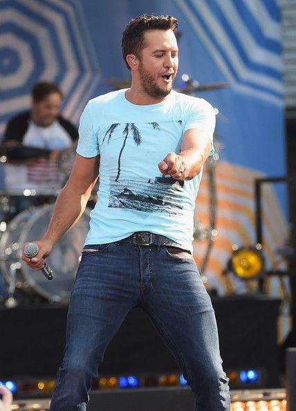 Luke Bryan Photos: Luke Bryan Performs on 'Good Morning America'