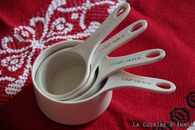 Pour s'en sortir avec les Equivalence Cup- grammes - Les recettes de cuisine d'Annie  Lorsque l'on déchiffre les recettes américaines