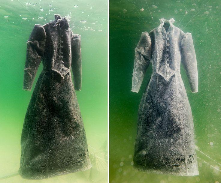Black dress in dead sea copper