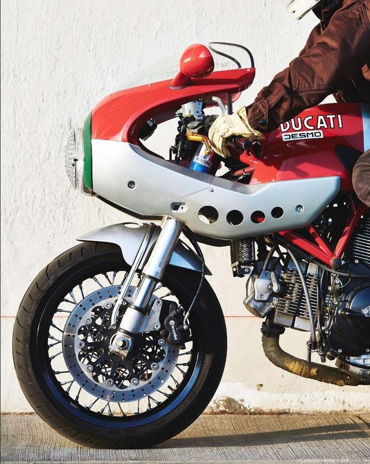 Ducati Desmo: love the Ducati decal on this