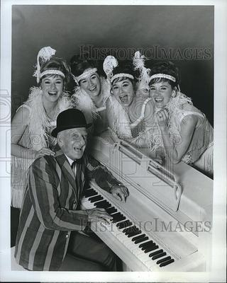 1969 Press Photo Jimmy Durante Presents The Lennon Sisters Hour