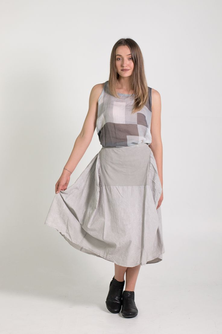 Rundholz Dip | Et Vous | Grey Skirt and Geometric Top