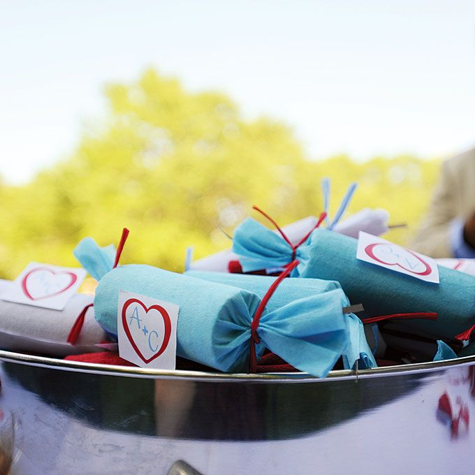 Christmas crackers are a tradition in one bride's family, so she handed them out as favors! Photo: The Happy Couple.: Wedding Favors, Brides Magazine, Food Ideas, Wedding Ideas, Long Islandweddingphotography, Wedding Photographer, Bride S, Christmas Weddings