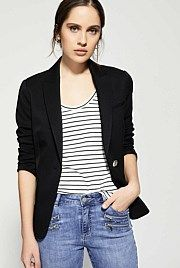 | Tops witchery