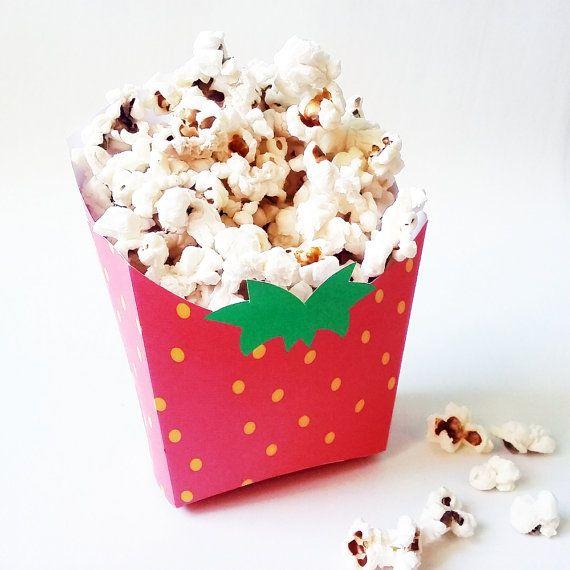 Pineapple favor box and Strawberry popcorn box. por CumpleKits