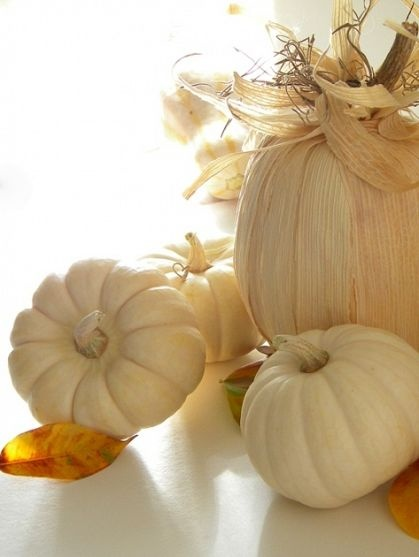 DIY corn husk pumpkins