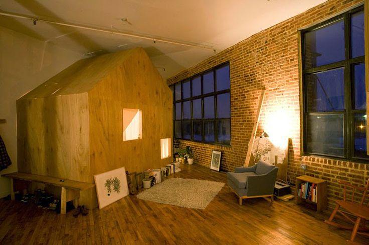A Cabin in a Loft de Terri Chiao, una cabaña de madera dentro de tu propia casa