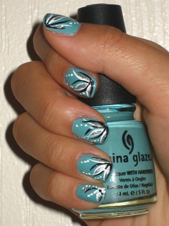 Love the color and design, but I'd want it just on one nail - Best 25+ Line Nail Designs Ideas On Pinterest Chevron Nails