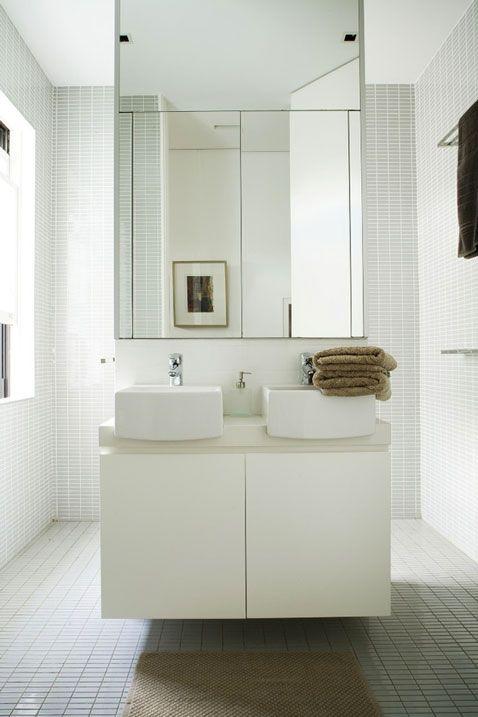 Les 25 meilleures id es concernant salle de bains carrel e for Miroir au dessus d une cheminee