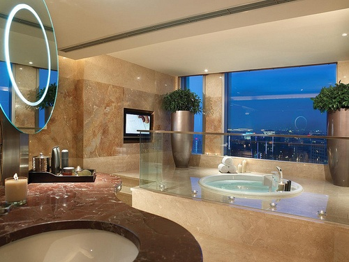 big bathrooms heavenly - Big Bathroom Designs
