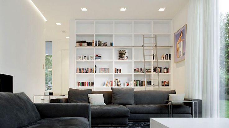 bibliothèque murale blanche avec échelle métallique coulissante
