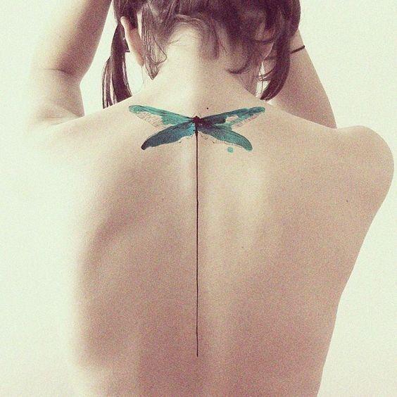On craque pour les tatouages aquarelle © Pinterest Hannah Cordill