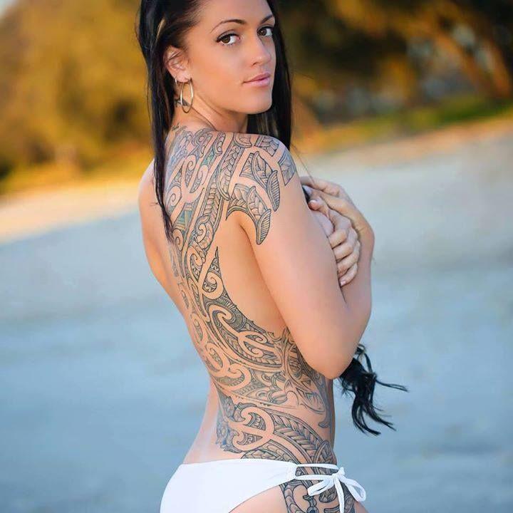 Hot maori girl twerking naked